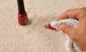Como limpar o que sujou com esmalte